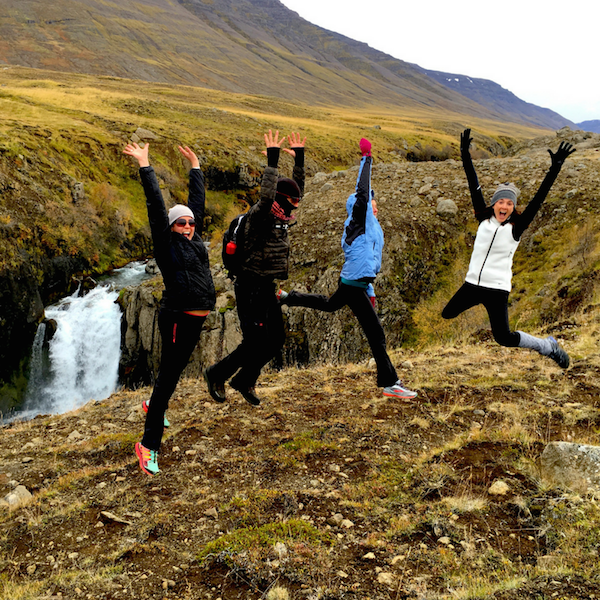 dagmar-spremberg-yoga-iceland-jump