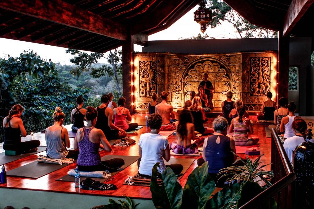 Dagmar Spremberg Yoga_Anamaya Ressort_Hang Yoga Class