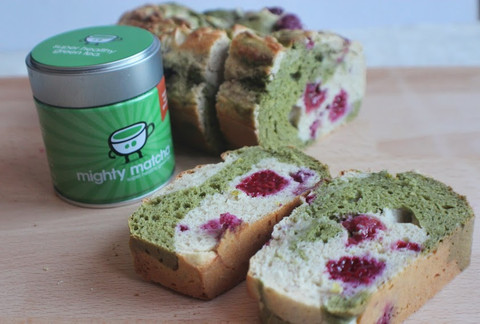 dagmar-spremberg-yoga-raspberry-matcha-loaf
