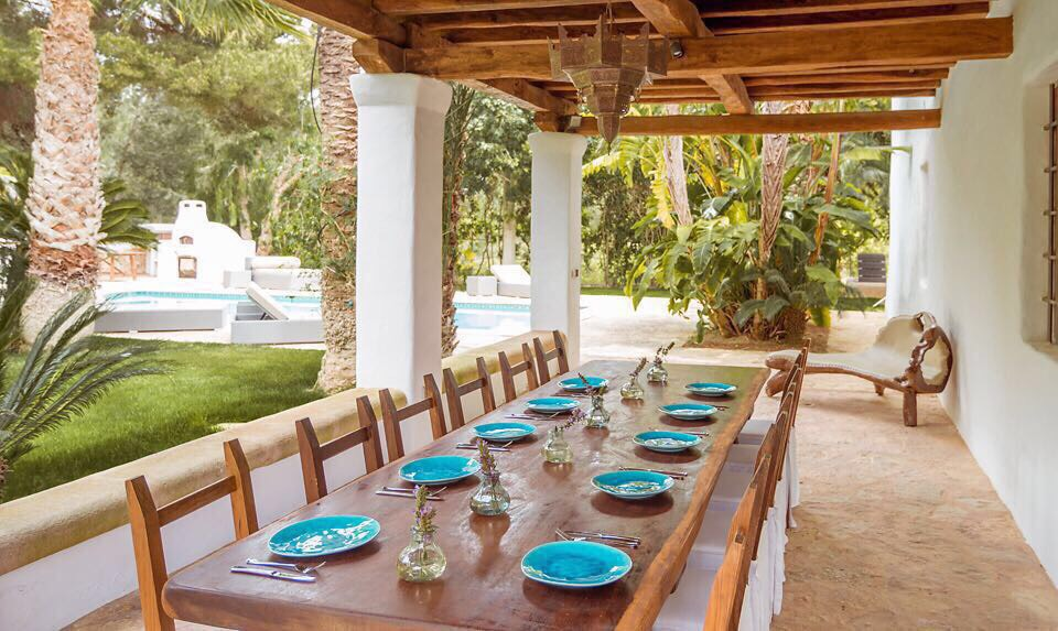 ibiza yoga retreat dinner